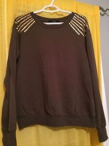 2 sweaters, size large