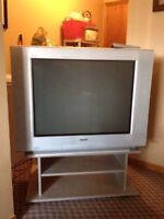 32 Inch Sony Tv and Stand