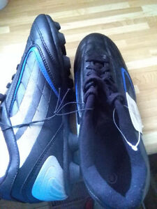 Brand new Soccer, cleats,size 8 men