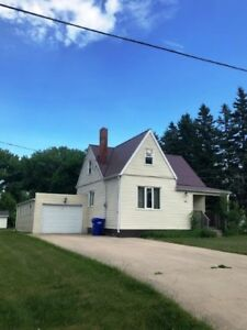 House for Sale in Altona, MB - 60 1st St. SE