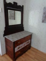 Beautiful Antique Dresser & mirror