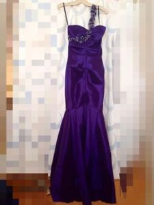 Gown size 4