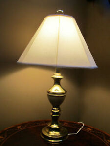 Wow! Cheap! Vintage Brass Table Lamp with Nice Shade Kitchener / Waterloo Kitchener Area image 1