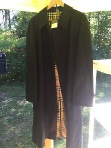 Burberry Mens Black Picadilly Trenchcoat (Large)