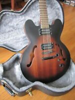 Epiphone DOT Studio ( Like a Gibson 335 ) with hard shell case