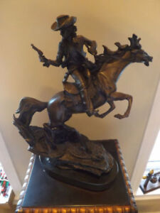 BRONZE: COWBOY ON HORSE - SCULPTURE COWBOY SUR CHEVAL.WESTERN