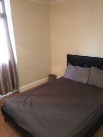 Lovely double room in WHITE CHAPEL