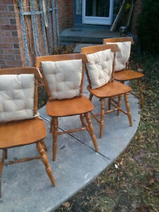 Great Retro Maple Dining Table & 4 Chairs! Kitchener / Waterloo Kitchener Area image 4
