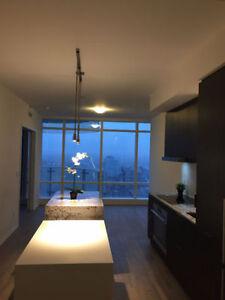 New luxury Yonge/Bloor 2bed+2b Condo for Long Term Rent !