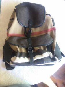 Burberry Large Rucksack in Canvas Check and Leather