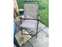 6 hardly used garden chairs
