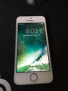 iPhone 5S 16GB Locked to Koodo/Telus mint (Half decent case)