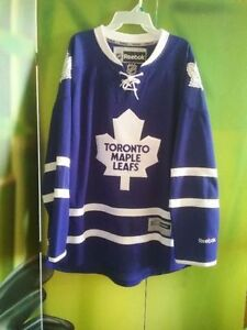Men's XL Toronto maple leafs jersey