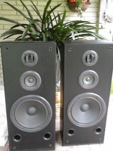 Techincs Tower Speakers with Amp
