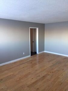 EXCELLENT LOCATION Capilano / Ottwell Large 2 Bedroom