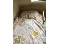 TODDLER BED INCLUDING MATRESS AND BEDDING