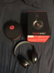 Practically new 100% Authentic Wired Beats Solo 2 Black