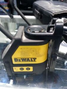 Dewalt Laser chalk line generator. We Sell Used Tools. Get a Deal at Busters Pawn. (#15217)