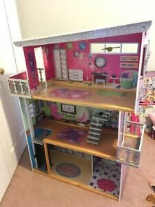 DOLLHOUSE for Barbie, Monster High, Ever After, etc - EXCELLENT