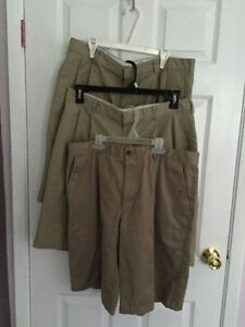 Holy Cross Mens Spring Uniform Shorts $10-15
