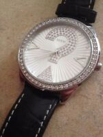 Like new/Barely used MINT 20yr Anniversary Leather Guess Watch