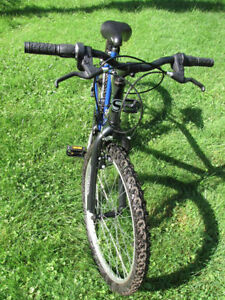 Kids Supercycle  Like brand new. 8 years-up London Ontario image 2