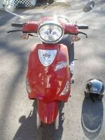 *REDUCED* PGO Metro Gas Scooter