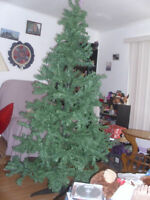 6ft christmas tree with sets of lights included