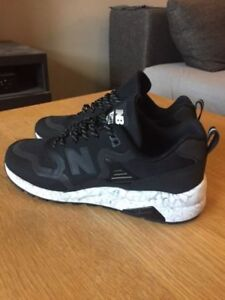New balance 580 reengineered sneakers size 8.5 steal!