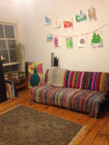 CHEAP ROOM FOR RENT GREAT LOCATION