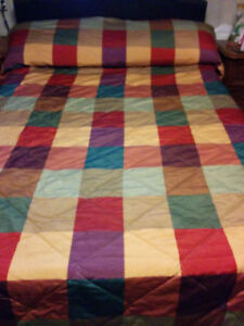 """QUEEN SIZE 60"""" BY 80"""" BEDSPREAD"""