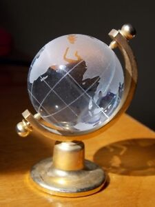 Globe with stand - Crystal Figurine