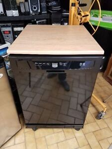 LAVE VAISELLE AMOVIBLE MARQUE MAYTAG A SEULEMENT 199.95$$