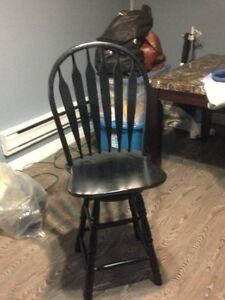 2 Swivel Counter Height Stools