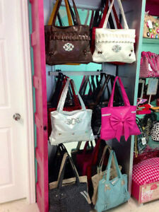 New purses only 5.00 each