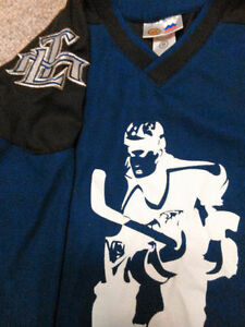 Maple Leafs Jerseys/Sweaters NHL Official /Roots Kids, Baby&Mens London Ontario image 4
