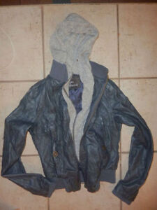Women's (winter) jackets, coats, vest size S, ( $ 5 $ 10) Kitchener / Waterloo Kitchener Area image 4