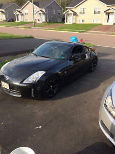 2007 Nissan 350Z Coupe (2 door)