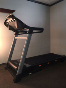 NordicTrack C800 (2.75 CHP) treadmill for $500.00