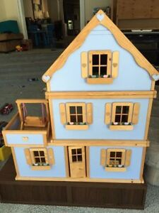 Handmade wooden dollhouse, excellent condition