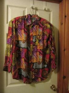 Women's silk blouse size Medium  LIKE NEW
