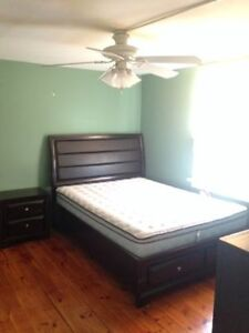3 Beds Student Apartment For Rent- 620 Victoria Street Kingston Kingston Area image 6