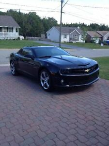 2011 Chevrolet Camaro 2SS - 6.2L-426hp!! Sweet Car - Low KMS