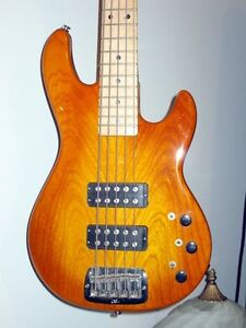 G&L L2500 5 string bass Gatineau Ottawa / Gatineau Area image 2