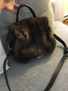 Sac à main en fourrure Harricanna par Mariouche/Fur Handbag