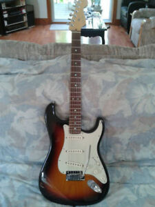fender stratocaster usa deluxe 50 th //  2004