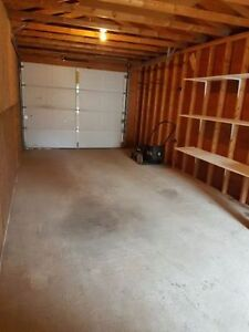 Single car garage space for rent