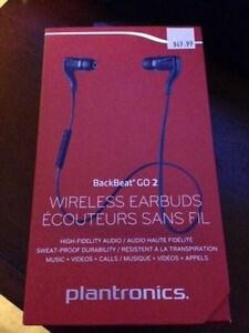 Brand NEW Wireless BLUETOOTH Earphones