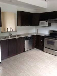 4 Bdrm, Catherine & Bronson w/ utilities and parking