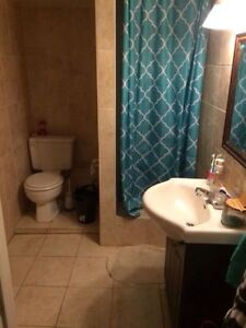 ALL INCLUSIVE 1 bedroom in 3 bedroom for MARCH 1st
